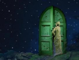 монах и дверь